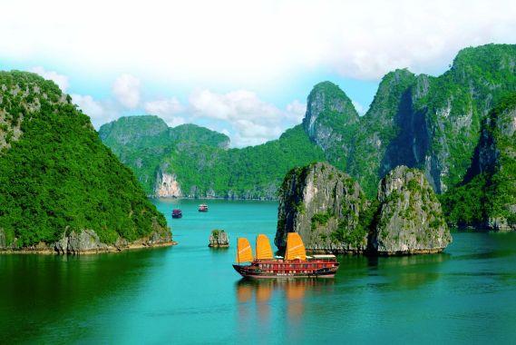 vietnam-im-land-der-tanzenden-dschunken-halong-bucht1